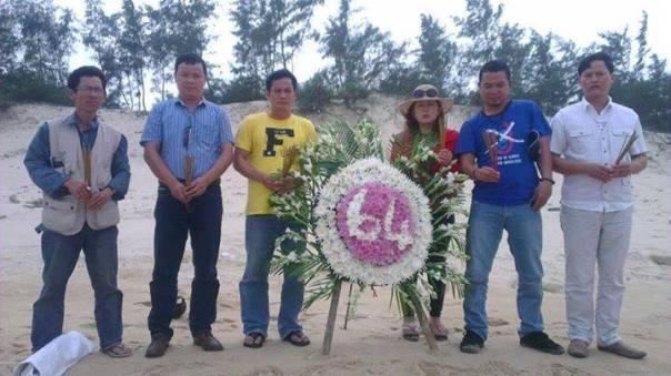 HAEDC Miền Trung và các băng hữu tổ chức tưởng niệm các chiến sỹ hy sinh trên đảo Gac Ma vào năm 2014