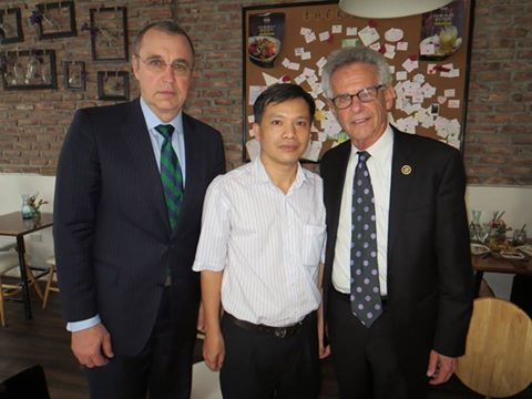 LS. Nguyễn Văn Đài và hai vị Dân biểu vào chiều ngày 6-5