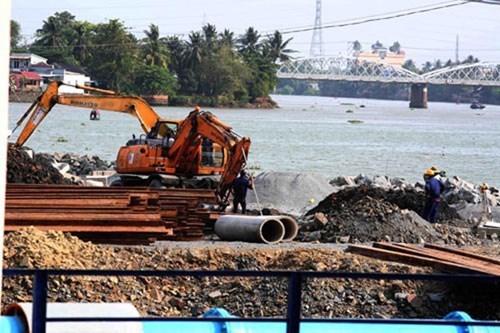Công trường đang thi công của dự án lấp sông Đồng Nai