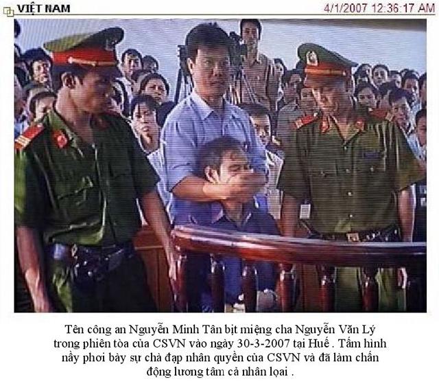 Linh mục Nguyễn Văn Lý bị bịt miệng trong phiên tòa xét xử.