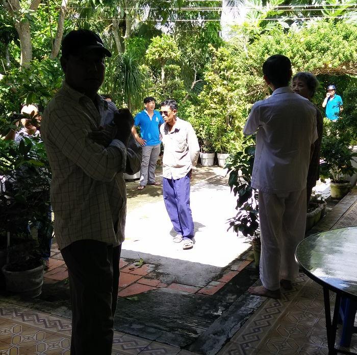 Công an và côn đồ đang bao vây nhà CTS Nguyễn Kim Lân