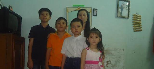 Vợ con mục sư Nguyễn Công Chính