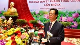 Thủ tướng Nguyễn Tấn Dũng tới dự và phát biểu tại Đại hội Thi đua Quyết thắng toàn quân lần thứ IX ngày 01.07.2015