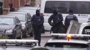 Cảnh sát tăng cường hiện diện trong nước Pháp