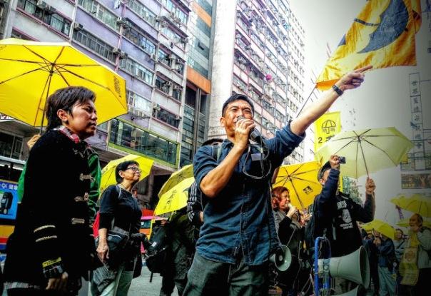 """""""Chúng tôi muốn Lương Chấn Anh từ chức và tổ chức cuộc tuần hành này để ông ấy nghe thấy những gì chúng tôi muốn và biết ông ấy đã làm sai những gì,"""" một sinh viên đại học 19 tuổi nói với AFP."""