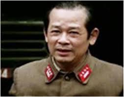 Nhà báo Bùi Tín là một đại tá cộng sản Việt Nam ly khai.