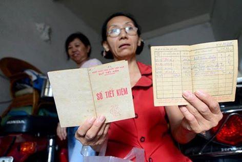 Bà Lê Thị Bích Thủy gửi 270 VND cách đây 30 năm, giờ nhận 4,385 VND vốn lẫn lãi.