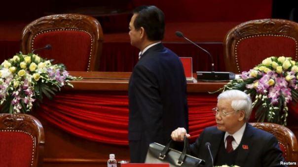 Thủ tướng Nguyễn Tấn Dũng 'xin rút'. Ông Trọng 'ở lại'.