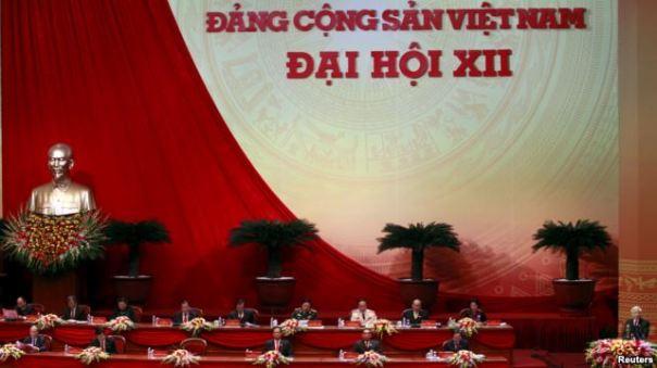Tổng bí thư Nguyễn Phú Trọng phát biểu tại lễ khai mạc Đại hội đảng 12 hôm 21/1.