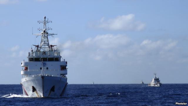 Tàu cảnh sát biển Trung Quốc ngoài khơi Biển Đông.