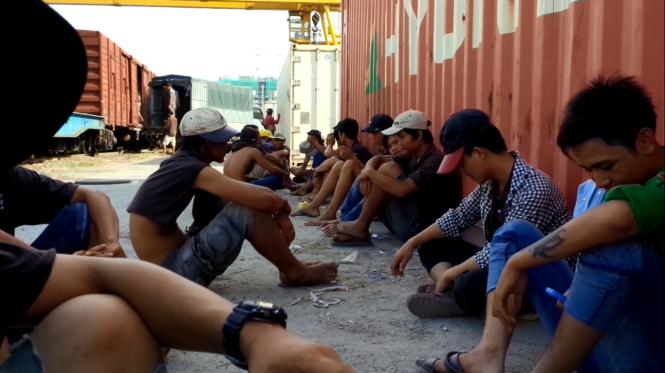 Công nhân ở Việt Nam giờ giải lao