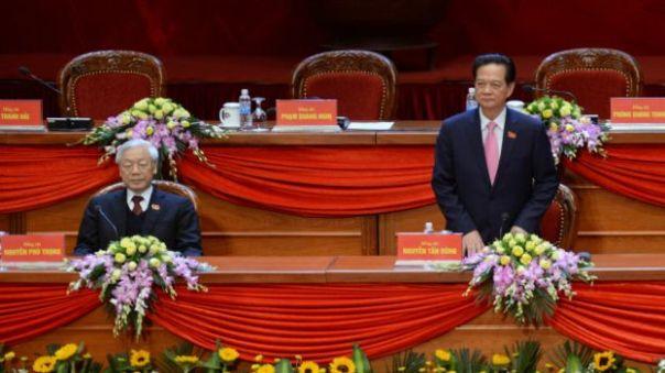 Việt Nam đang tiến hành chuyển giao quyền lực từ sau Đại hội lần thứ 12 của Đảng Cộng sản.