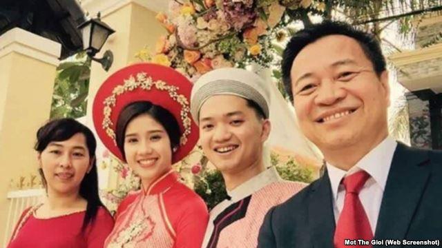Ảnh đám hỏi của ông Nguyễn Minh Triết, con trai út Thủ tướng Nguyễn Tấn Dũng, được đăng trên các trang mạng xã hội.