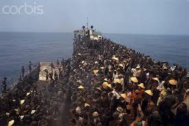 Khiếp sợ quân Hà Nội, hàng triệu người miền nam đã lên tàu vượt biên tị nạn cộng sản.