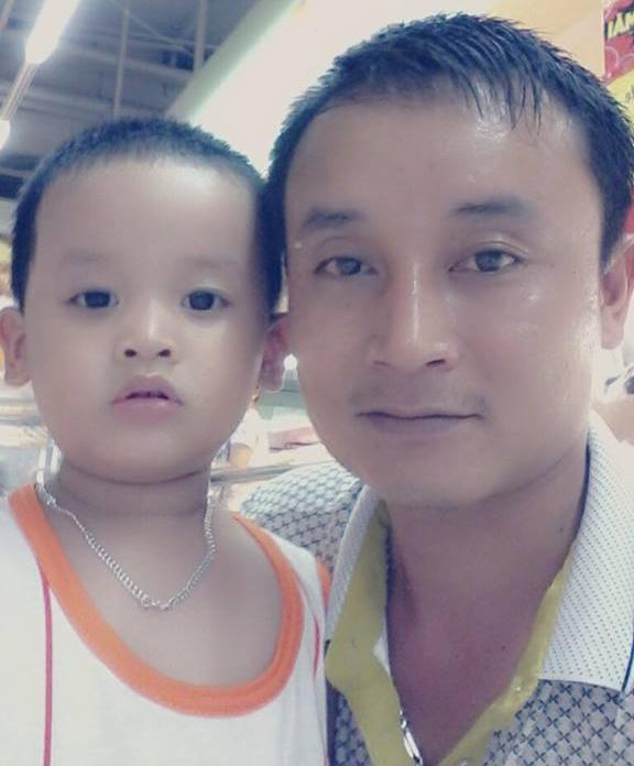 Nha sĩ Hoàng Văn Giang và con trai