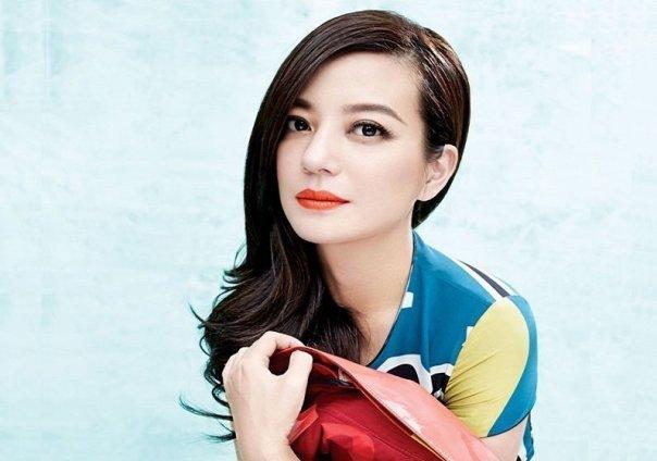 Nữ diễn viên – đạo diễn Triệu Vy.