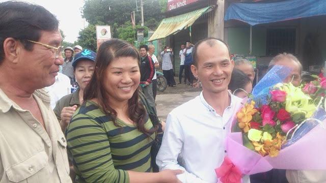 Chị Nguyễn Thị Thuý Quỳnh và anh Nguyễn Văn Minh. Photo: Huỳnh Công Thuận