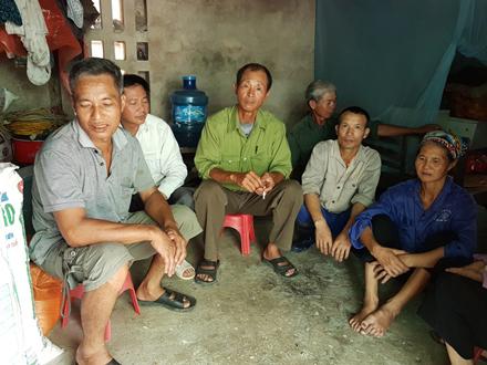 Nhiều gia đình lục đục về tranh cãi bán đất cho doanh nghiệp Trung Quốc.