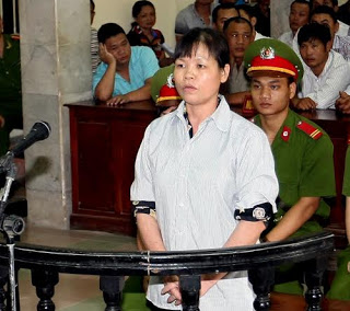 Bà Cấn Thị Thiêu tại tòa án
