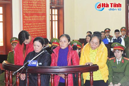 Những người phụ nữ yếu ớt Mai Thị Tịnh, Mai Thị Tiệm và Lê Thị Thủy chính quyền Hà Tĩnh bị kết án tù