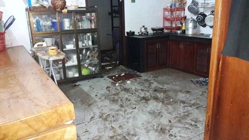 Nhiều vật dụng trong nhà dân gần Công an tỉnh Đắk Lắk bị hư hại. Ảnh: Minh Quý/Zing