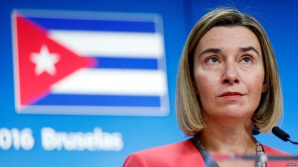Người đứng đầu Uỷ ban Chính sách Đối ngoại của Liên minh châu Âu họp báo sau cuộc gặp với Ngoại trưởng Cuba ngày 12 tháng 12 năm 2016. Ảnh VOA.