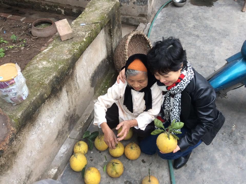 Mẹ luật sư Nguyễn Văn Đài và chị Nguyễn Thúy Hạnh