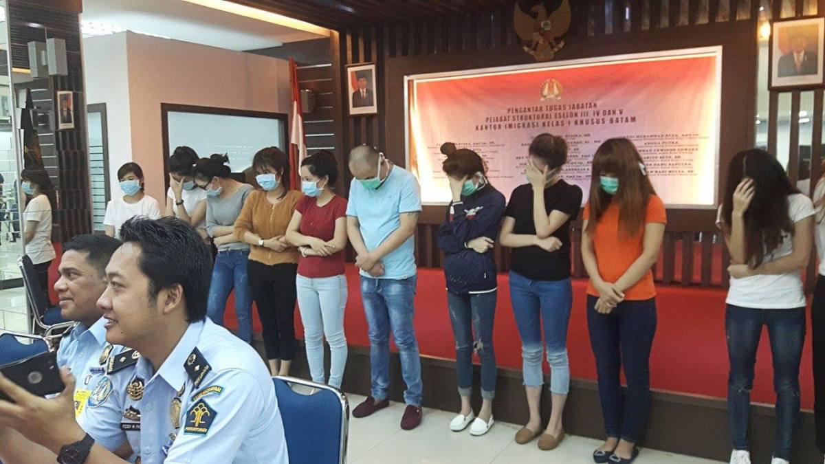 32 người bị bắt giữ ở Indonesia 16/1/2017 do tình nghi hành nghề mại dâm, hầu hết là người Việt.