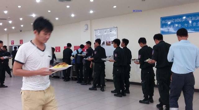 Hàng trăm cảnh sát cơ động ngày đêm túc trực trong Formosa để phòng dân Hà Tĩnh tiếp tục tới biểu tình trong khi Hà Tĩnh đang khốn đốn vì lụt, không ai lo.