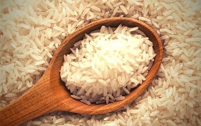 Xuất khẩu gạo tiếp tục suy giảm ở mức hai con số trong tháng đầu năm 2017.