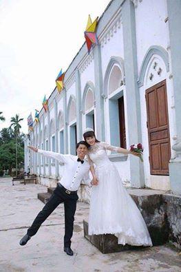 Vợ chồng tù nhân chính trị Nguyễn Văn Oai.