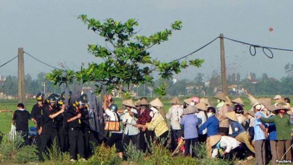 Một vụ cưỡng chế thu hồi đất nông nghiệp ở Nam Định. 