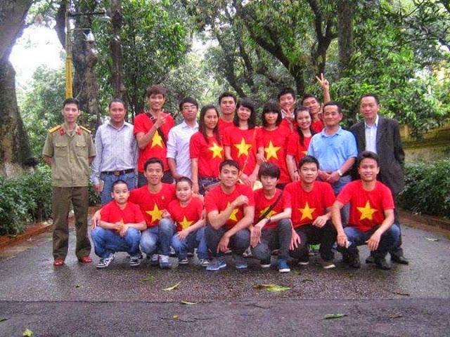 Một nhóm dư luận viên của chính quyền