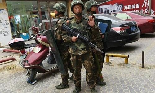 Dù Trung Quốc thắt chặt an ninh tại khu vực Tân Cương, tình trạng bất ổn vẫn tiếp diễn và chưa có dấu hiệu giảm bớt. Ảnh minh họa: AFP