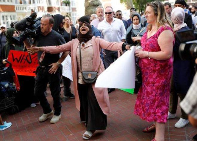 Người biểu tình tràn xuống đường phố London yêu cầu hỗ trợ các nạn nhân của vụ hỏa hoạn