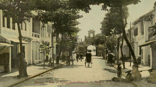 Hà Nội thời Pháp: phố mang tên nhà thám hiểm thực dân Jean Dupuis ở lối vào Ô Quan Chưởng