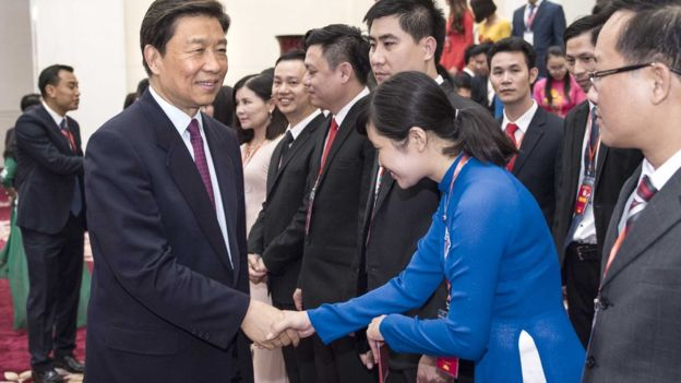 """Ủy viên Bộ Chính trị Lý Nguyên Triều đón khách từ Đoàn Thanh niên CS Hồ Chí Minh sang thăm Bắc Kinh: các văn kiện mới nhất không nói về tình hữu nghị thanh niên Trung Việt """"truyền qua nhiều thế hệ"""" nữa"""