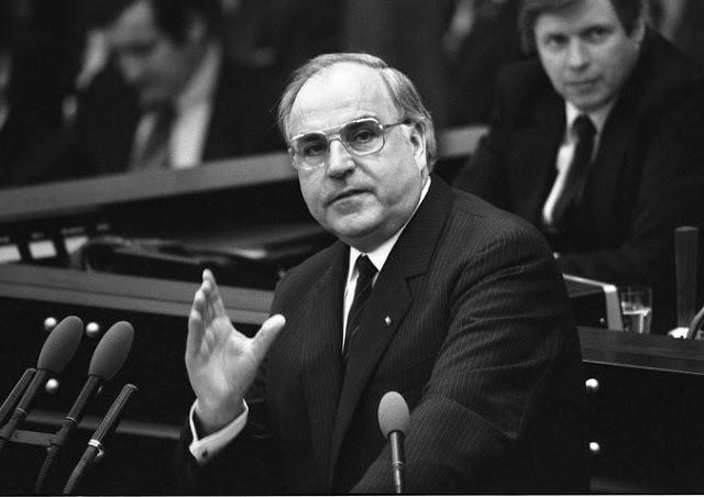 Cựu thủ tướng Đức, Helmut Kohl, qua đời ở tuổi 87, ngày 16 tháng 6, là người đã kết liễu lịch sử Đức. Nhưng, do chủ nghĩa lý tưởng của mình mà ông cũng là người đã đặt nền móng cho sự đối đầu hiện nay giữa nước Nga và phương Tây.