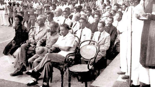 Sau khi trao quyền lại cho chính phủ Việt Minh, cựu hoàng Bảo Đại khi đó ngoài 30 tuổi, giữ chức Cố vấn tối cao một thời gian với cái tên công dân Vĩnh Thụy