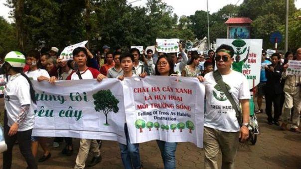 """Cuộc tuần hành 'Vì cây xanh' tháng 3/2015 được cho là """"quy tụ hàng trăm người dân"""""""
