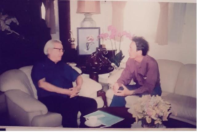 Ảnh: Tác giả phỏng vấn cố vấn Võ Văn Kiệt tại nhà riêng 16 Tú Xương TP.HCM