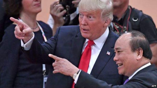 Ông Trump từng tuyên bố sẽ mạnh tay với các di dân bất hợp pháp và vi phạm pháp luật. Trong ảnh là cuộc gặp giữa Tổng thống Trump và Thủ tướng Việt Nam Nguyễn Xuân Phúc ở Đức tuần trước.