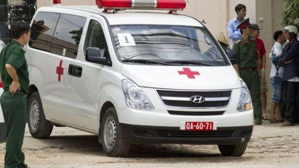 Trong vụ ở Phan Rang, gia đình đưa thi thể nạn nhân về nhà bằng băng ca và không dùng xe cứu thương do cơ quan chức năng thu xếp