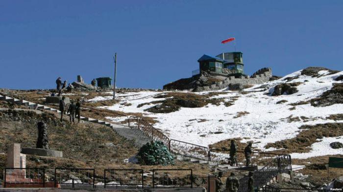 Các binh sĩ Ấn Ðộ trên tuyến đường thương mại Ấn-Trung ở Nathu-La, cách thủ phủ Gangtok của Sikkim 55 kilômét về hướng bắc (Ảnh tư liệu ngày 17/1/209)