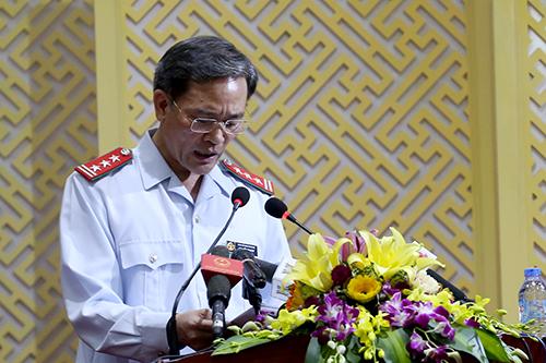 Phó chánh thanh tra TP Hà Nội Nguyễn An Huy trình bày dự thảo kết luận. Ảnh: Bá Đô / VnExpress.