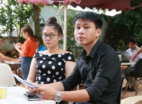 Đoàn Minh Anh Dũng và em gái Đoàn Thị Phương Uyên phản ánh việc chính quyền tự ý sửa sổ đỏ để thi hành án