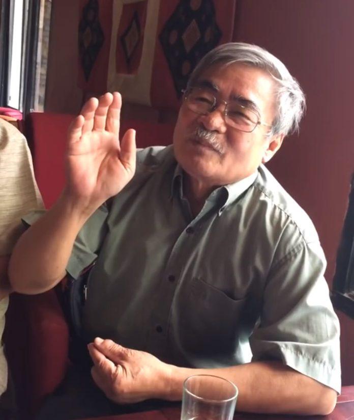 Nhà thơ Nguyễn Duy kể chuyện. (Hình: Cắt từ clip)